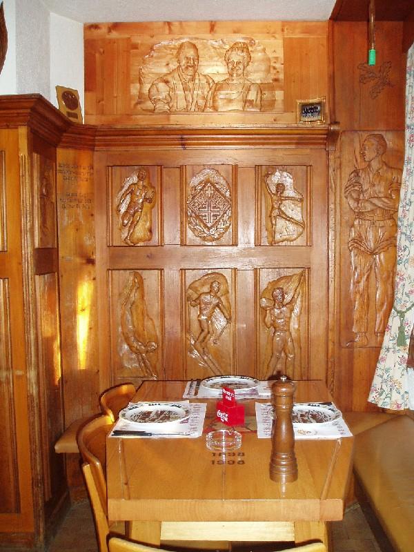 [SUISSE] - Restaurant Tivoli. Place d'Armes 18 1618 Châtel-Saint-Denis  Pa110210