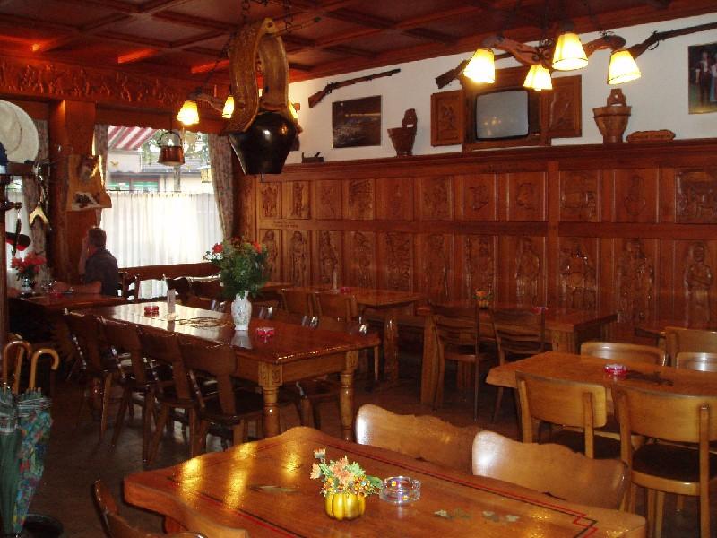[SUISSE] - Restaurant Tivoli. Place d'Armes 18 1618 Châtel-Saint-Denis  Pa110211