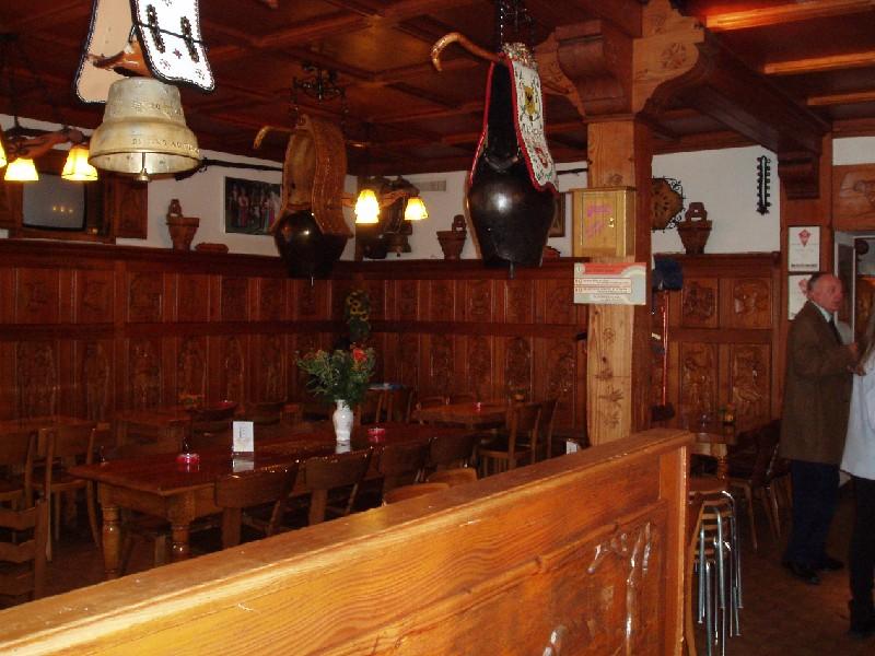 [SUISSE] - Restaurant Tivoli. Place d'Armes 18 1618 Châtel-Saint-Denis  Pa110212