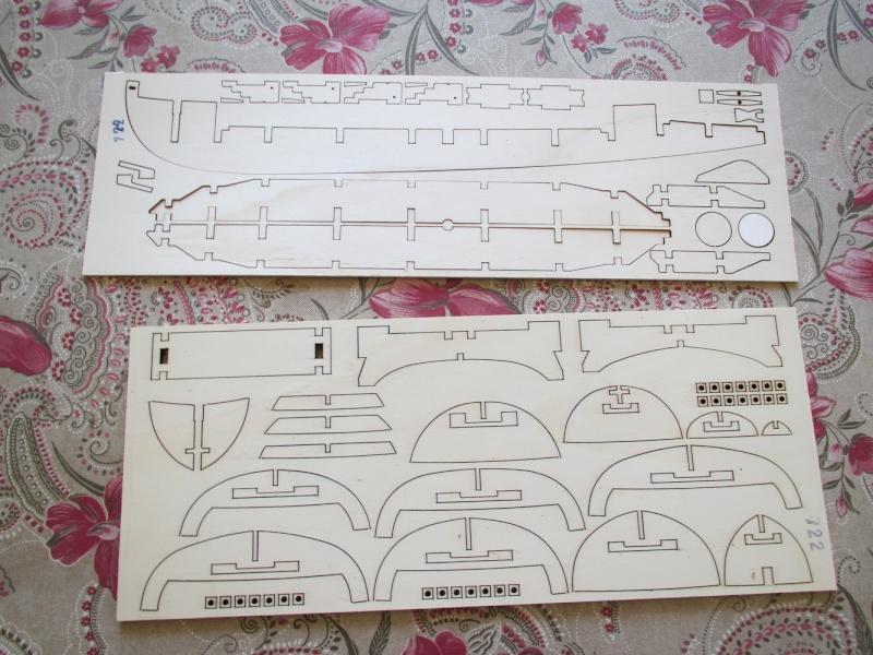 Présentation du kit LANCIA ARMATA SVEDESE 1/35 de MANTUA Img_1021