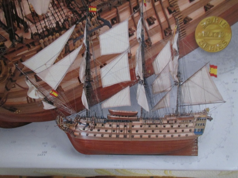 Navire de première ligne espagnol LE SANTA ANA 1/84 d'Artesania Latina Img_1946