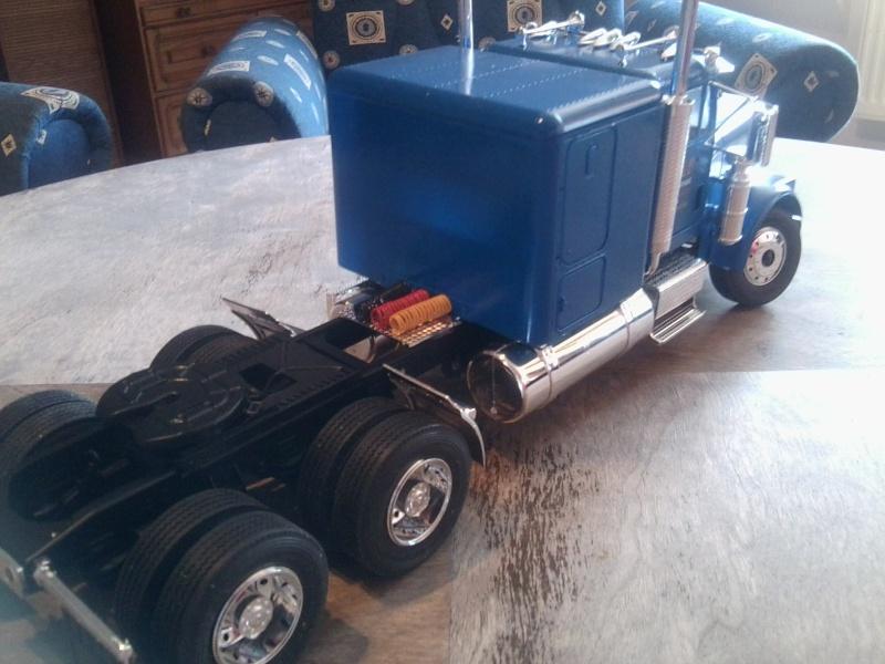 Freightliner Conventional von Revell. Foto0111