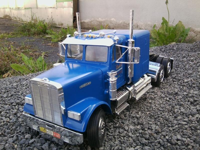 Freightliner Conventional von Revell. Foto0117