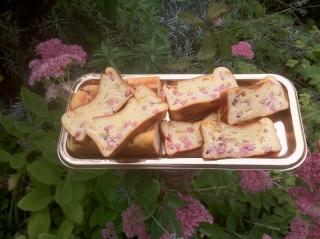 Essaye ma recette n° 1 Cake au jambon et fromage ail et fines herbes 02613