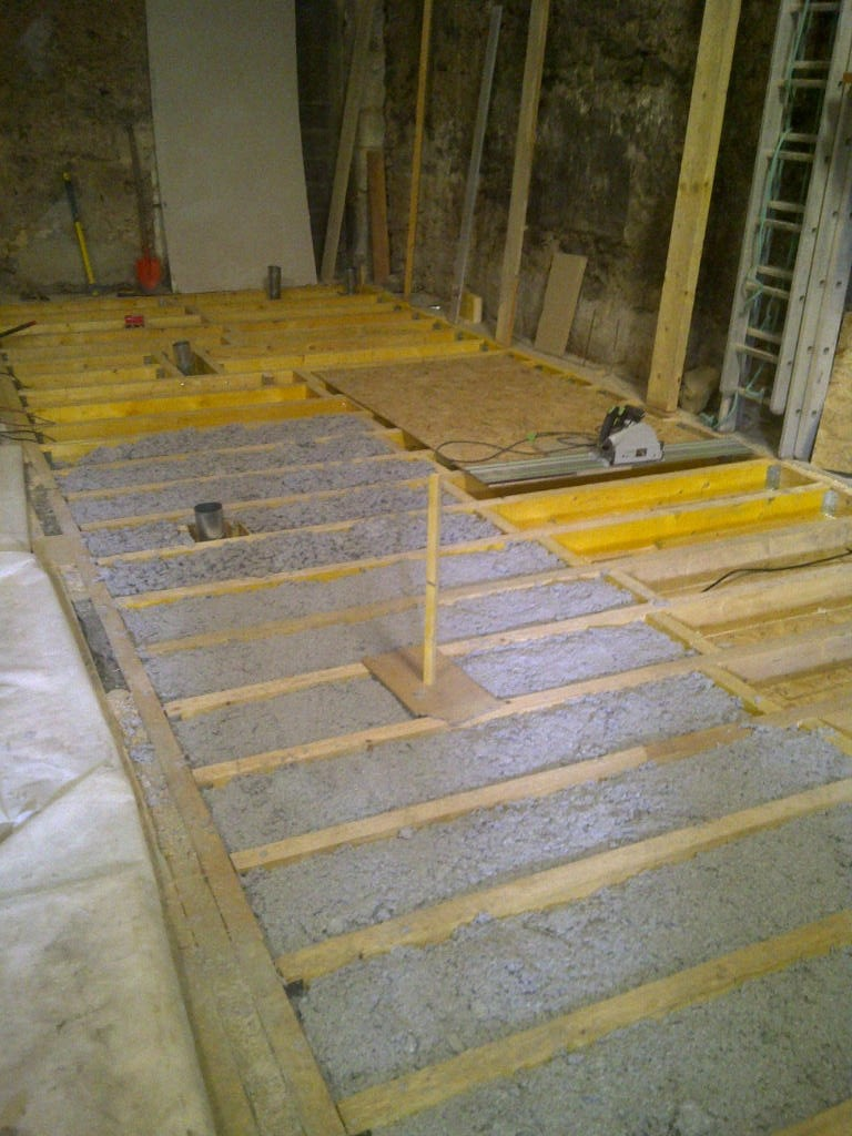 Atelier (construction en cours) de Gauthier13 - Page 3 Isolat10