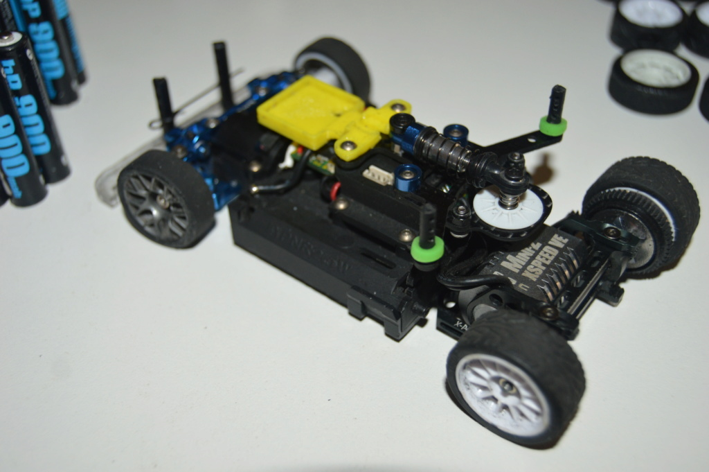 Lot Mr03 Ve Pro, chargeur, accus, pièces, pneus.. Dsc_0113