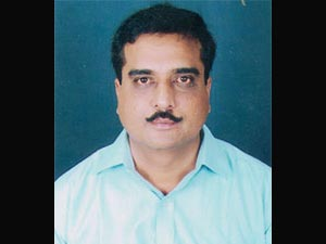 நீங்க மனசு வச்சா ஒரு பத்திரிகையாளர் குடும்பத்தை காப்பாத்தலாம்! 25-thi10