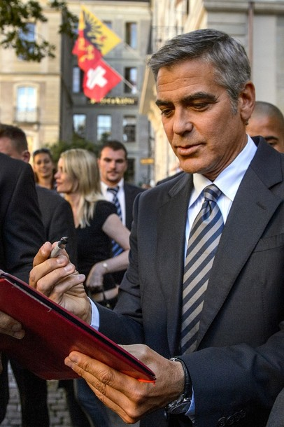 George Clooney to visit Geneva for Obama fundraiser on 27th August - Page 3 X61010