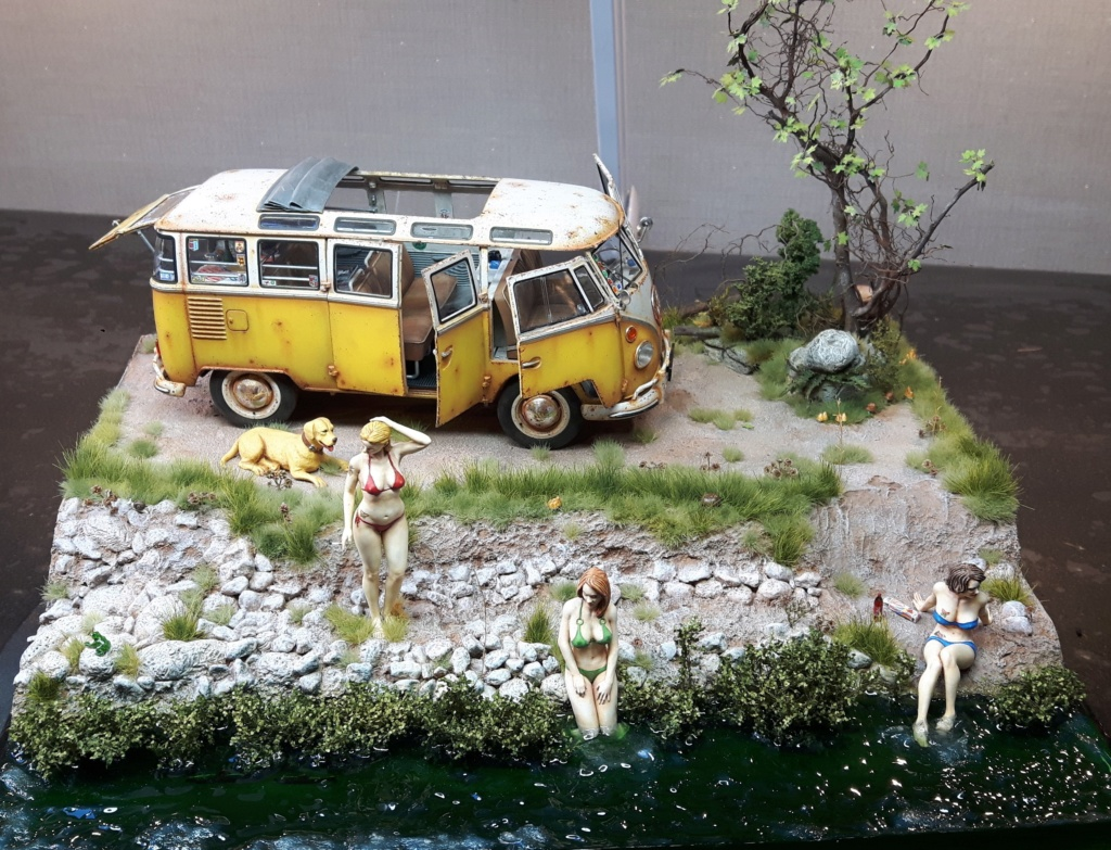 """Volkswagen T1 """"Samba Bus"""" revell 1/24 diorama 20190912"""
