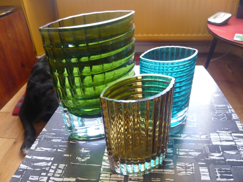 set of 3 heavy ribbed oval vases P1080013