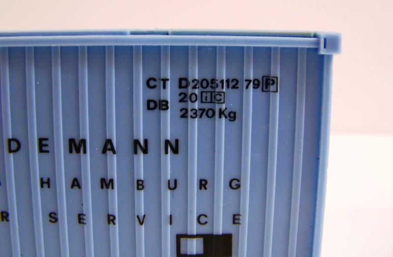Les wagons plats porte-container de 20 pieds de Lima. Detail12