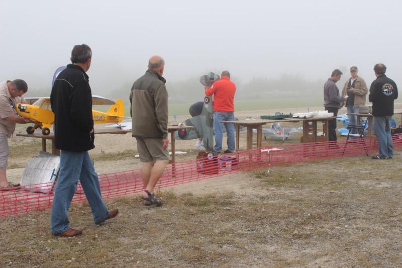 """Préparation des avions dans la brume de """"la secouette"""" Img_2818"""