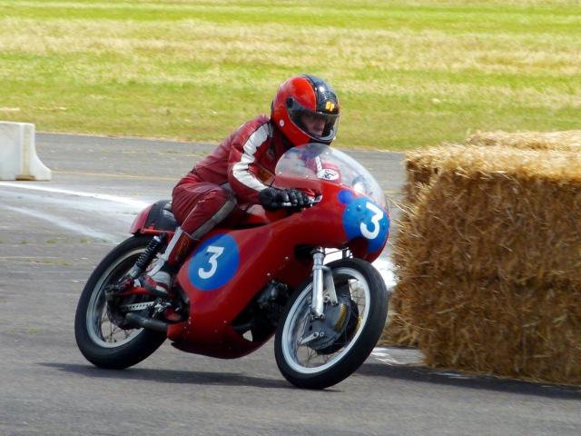 5 eme grand prix moto classic de VICHY P1600312