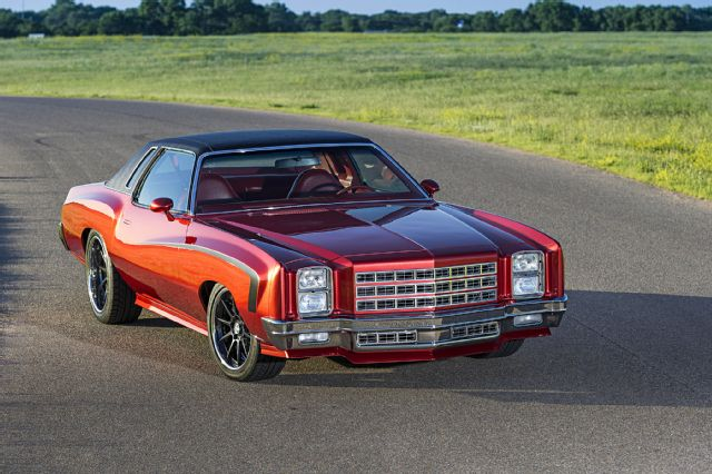 Wild 1977 Pro Touring-Style Chevy Monte Carlo-Super Chevy 001-1910