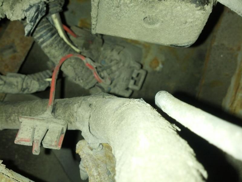 Sunfire 2000, jauge d'essence erratique et difficulté pour faire le plein Img_2011