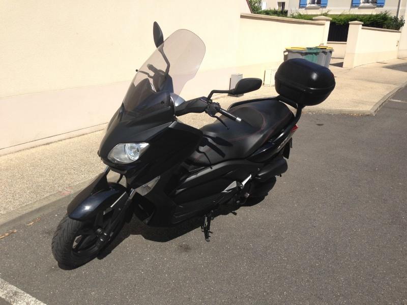 [vends]Yamaha Xmax 125 noir 2010 1700€ Img_2111