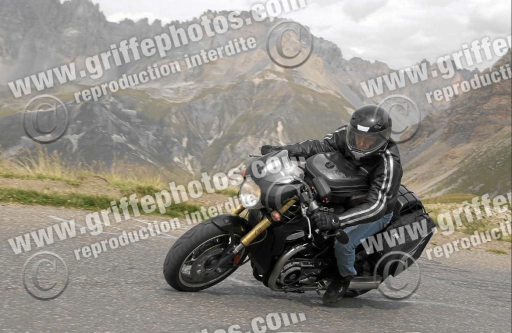 Moto légende de la rentrée.... Old_bi10