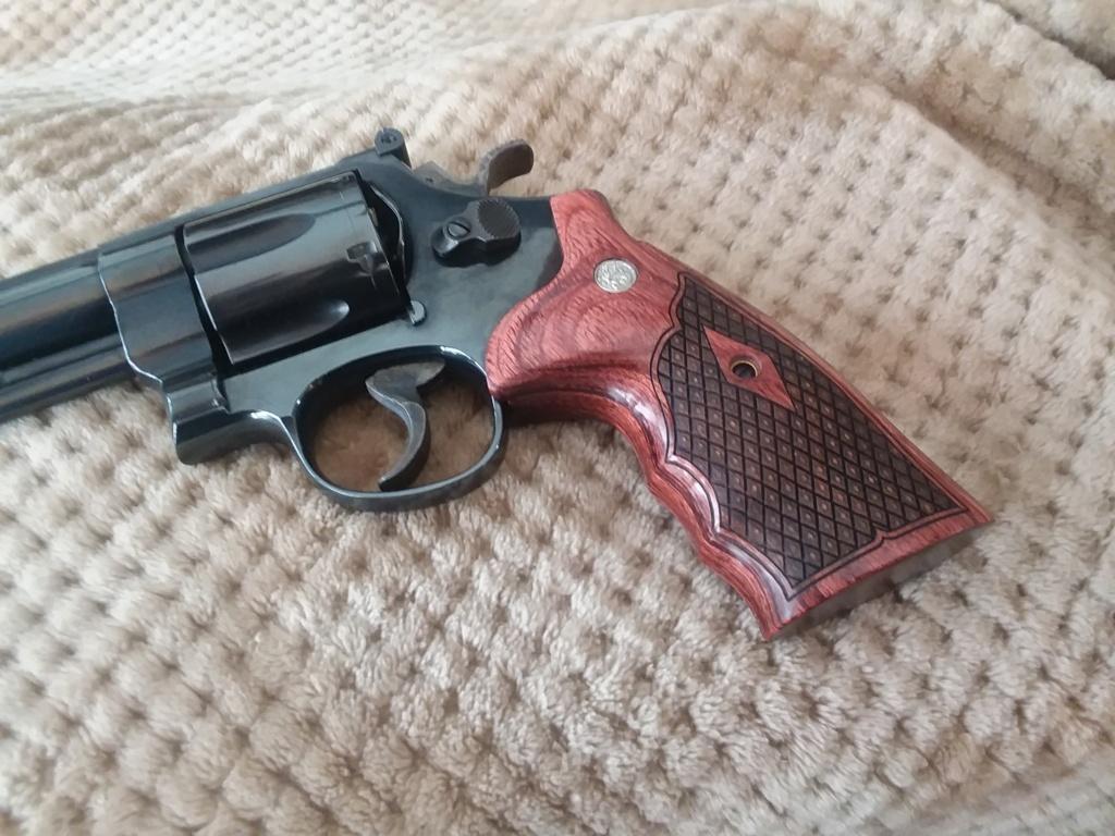 Revolver grips? 20200911