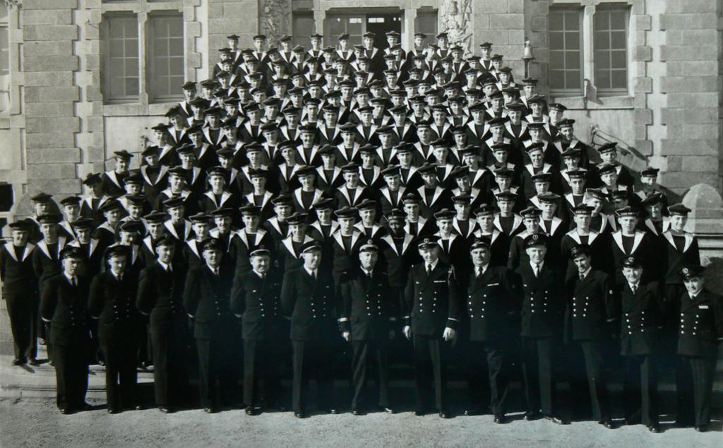 [ ÉCOLE DES PUPILLES ] ÉCOLE DES PUPILLES DE LOCTUDY 1952-1953 Loctud10