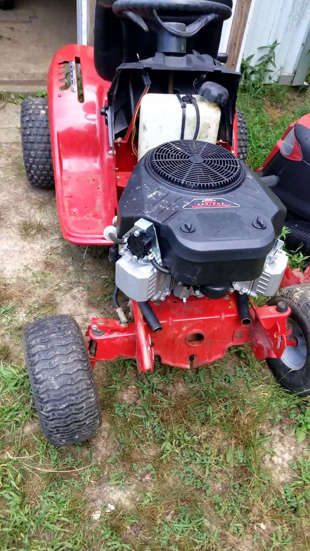 Troy Built Mud Mower 708cc Predator V-Twin Videoc10