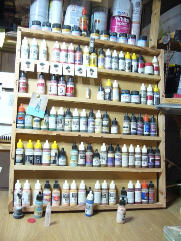 Étagère à peinture P1040711