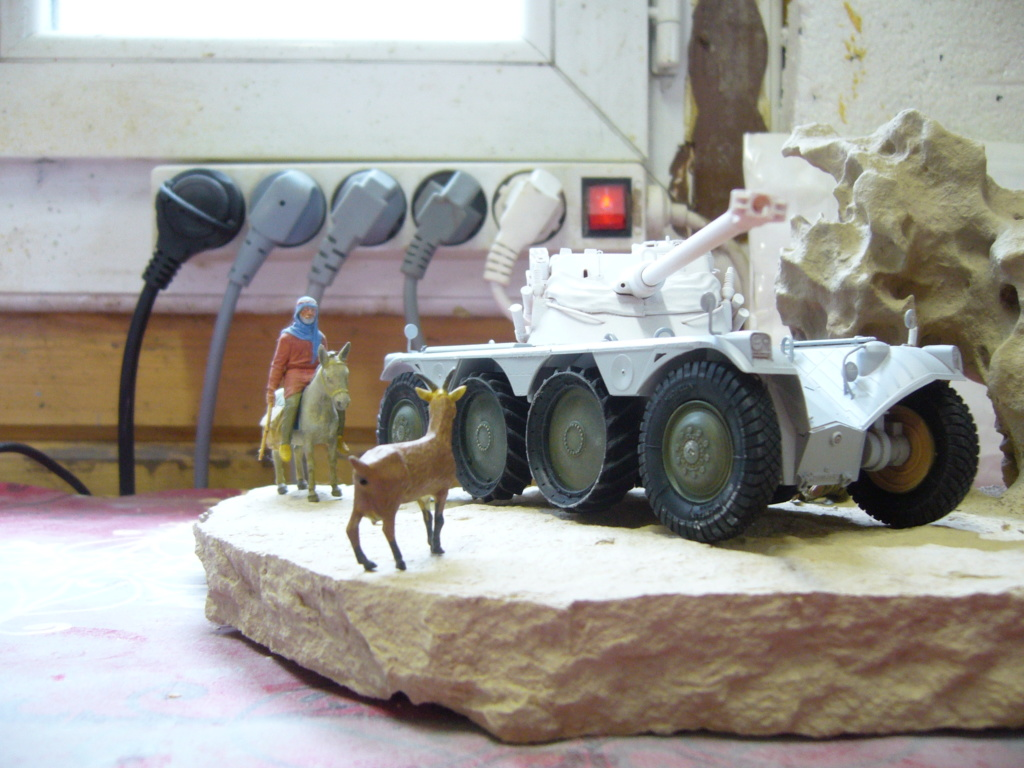 Panhard EBR 10 Hobby Boss 1/35 + figurines U-Models et Chota Sahib/Azimut et Master Box - Page 4 P1050220