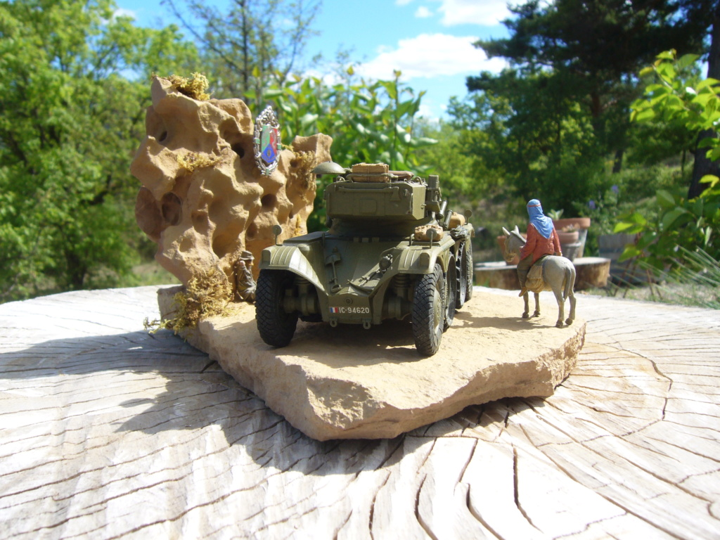 Panhard EBR 10 Hobby Boss 1/35 + figurines U-Models et Chota Sahib/Azimut et Master Box - Page 5 P1050270