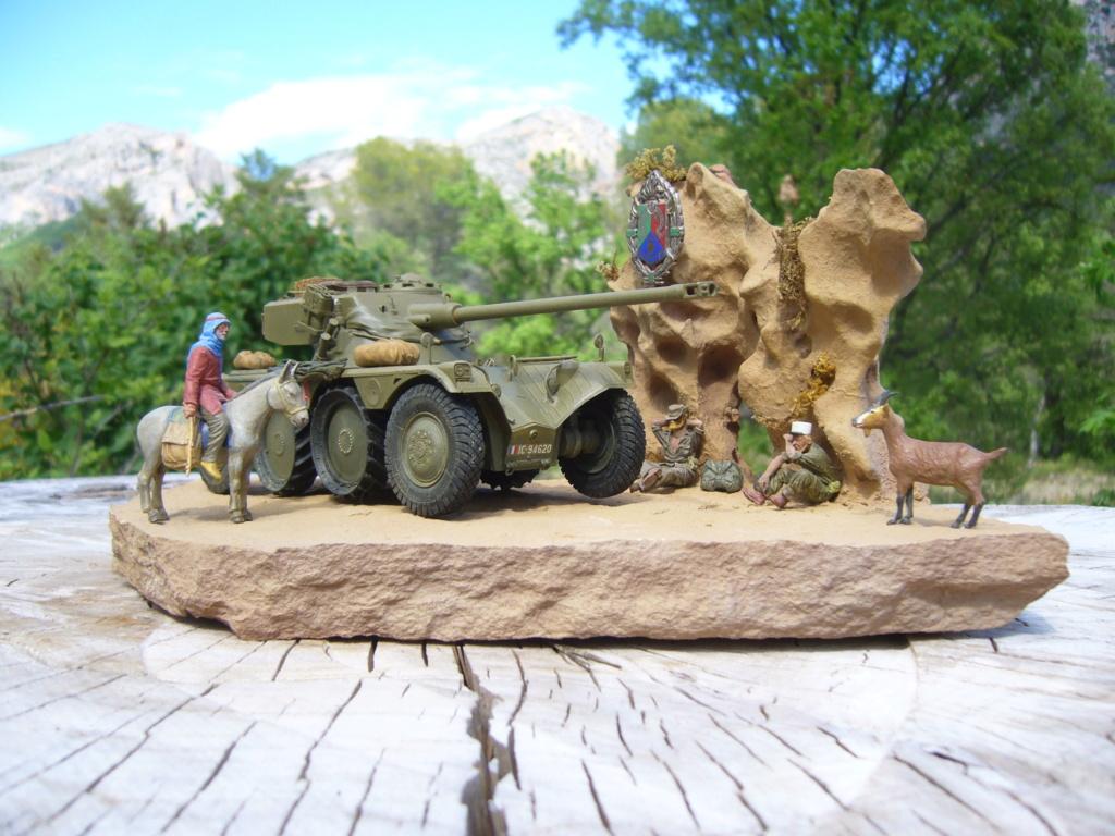 Panhard EBR 10 Hobby Boss 1/35 + figurines U-Models et Chota Sahib/Azimut et Master Box - Page 5 P1050271
