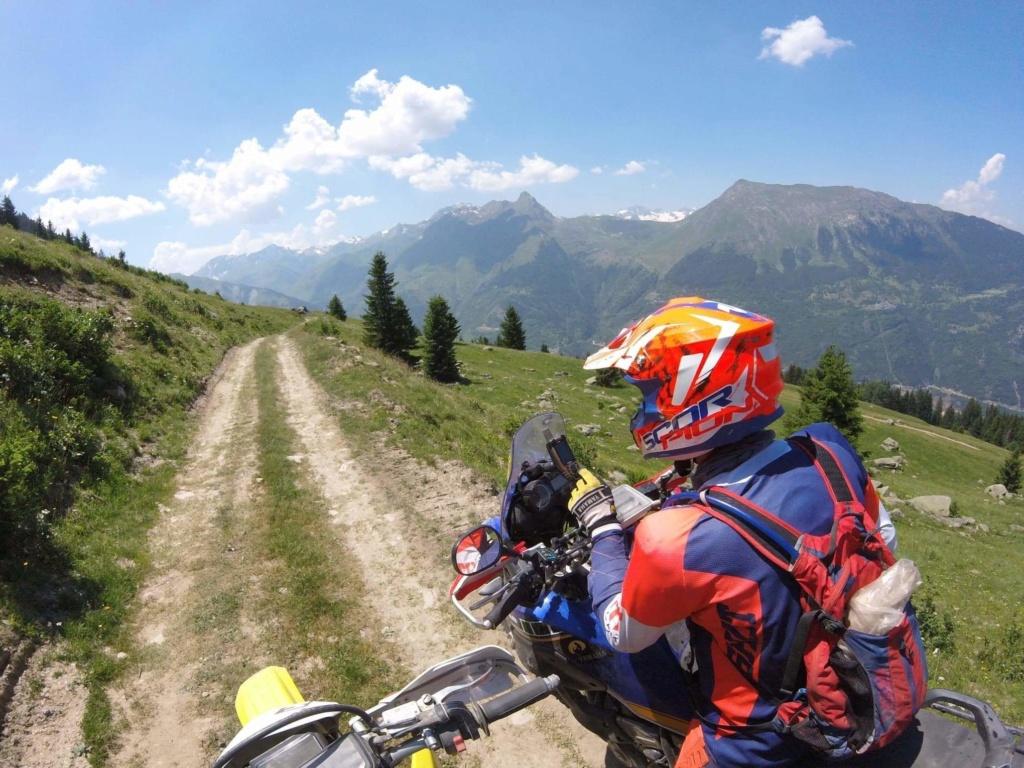 Vos plus belles photos de motos - Page 33 Img_5810