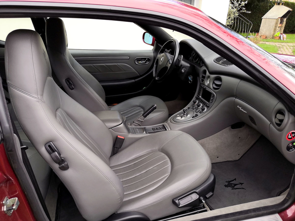 [ VENDUE] Maserati 4200 CambioCorsa 2004 - 39500 kms - Page 2 Inter011