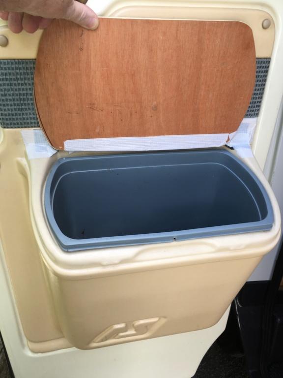 WANTED Door bin for an executive Bin_111