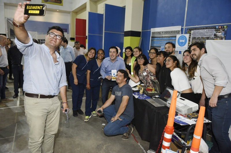 Malvinas Argentinas: 5º Expo Educativa. 001-11
