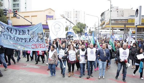 Movilización por la educación pública en Vicente López 00123