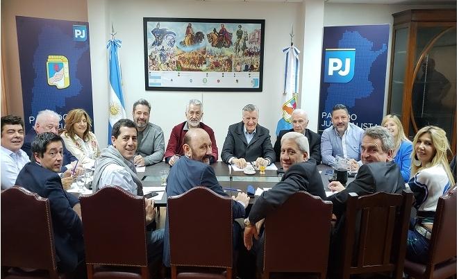 El PJ sumó a Hugo Moyano a su Mesa de Acción Política. 00126