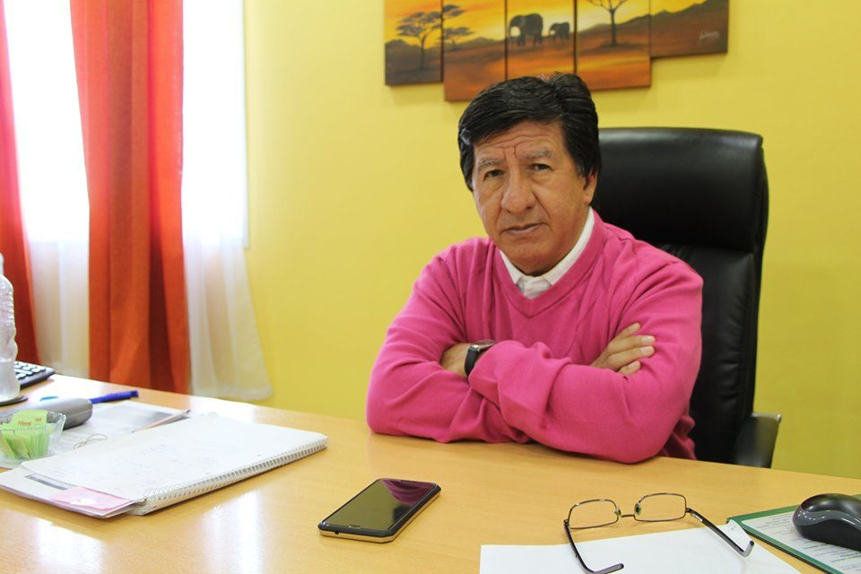 bourg - Malvinas Argentinas: Sobrevivir en tiempos de crisis como la Cooperativa Telefónica de G. Bourg y P. Nogués. 00155