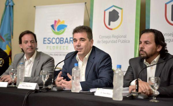 """Escobar. Ritondo: """"no importa el color político"""" para el trabajo con los municipios. _dsc3011"""