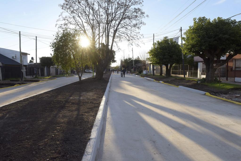 Malvinas Argentinas: Inauguran pavimentos de las calles Gascón y Medrano. _jcc6310