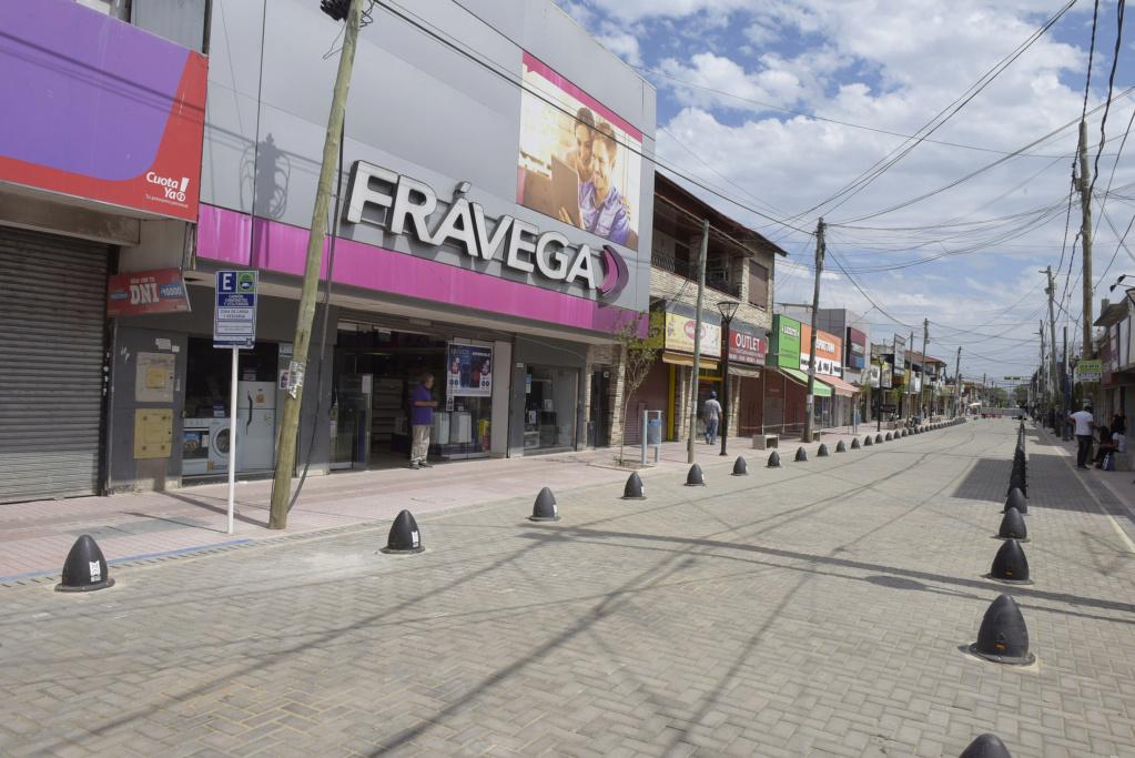 bourg - Malvinas Argentinas: Habilitada la semipeatonal Eva Perón en Grand Bourg. _jcc9810