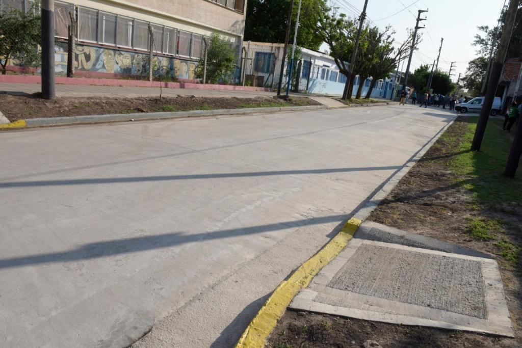 Malvinas Argentinas: Nardini inauguró el pavimento de la calle Los Caldenes Img-2033
