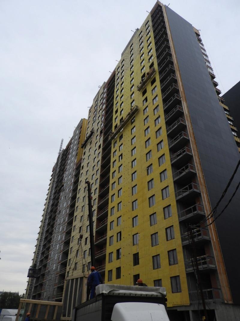"""На ЖК """"Летний сад"""" - начался монтаж фасадных конструкций корпусов второй очереди строительства 10000010"""
