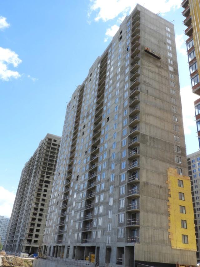 """На ЖК """"Летний сад"""" - начался монтаж фасадных конструкций корпусов второй очереди строительства 1012"""