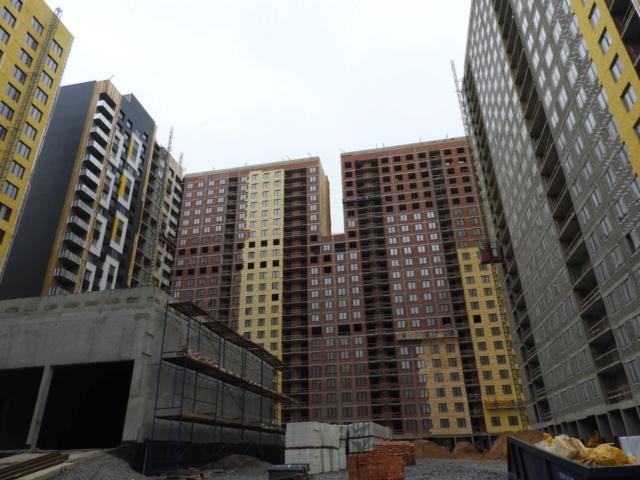 """На ЖК """"Летний сад"""" - начался монтаж фасадных конструкций корпусов второй очереди строительства 11111112"""