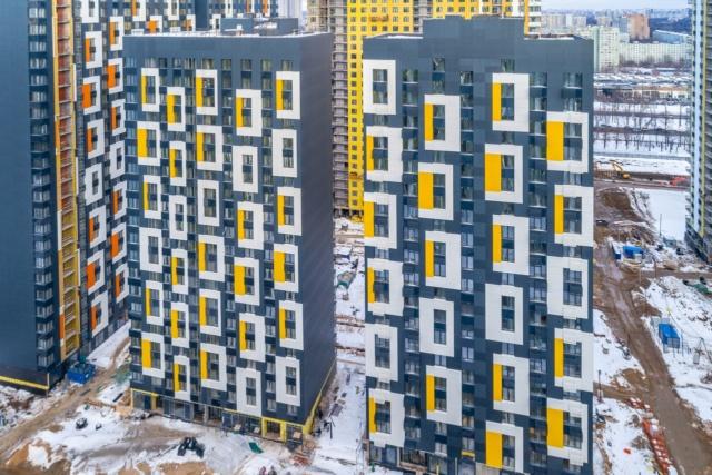 """На ЖК """"Летний сад"""" - начался монтаж фасадных конструкций корпусов второй очереди строительства - Страница 2 1125"""