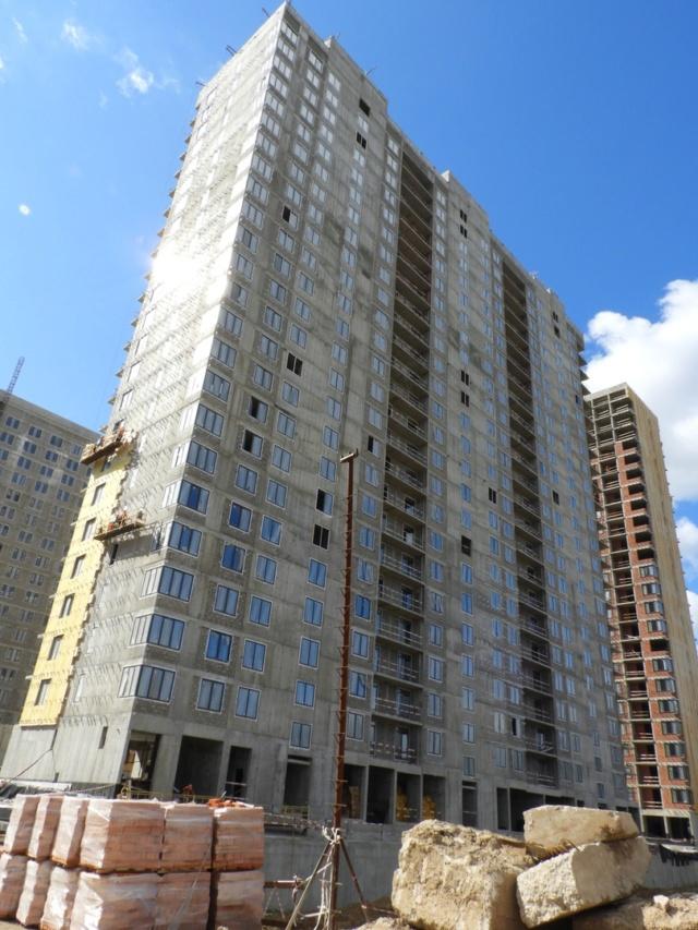 """На ЖК """"Летний сад"""" - начался монтаж фасадных конструкций корпусов второй очереди строительства 1212"""
