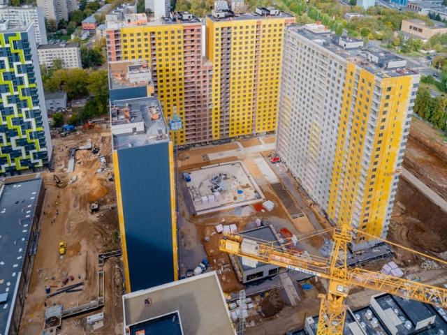 """На ЖК """"Летний сад"""" - начался монтаж фасадных конструкций корпусов второй очереди строительства 1218"""