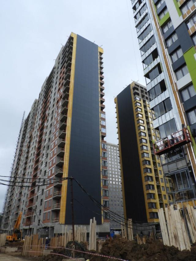 """На ЖК """"Летний сад"""" - начался монтаж фасадных конструкций корпусов второй очереди строительства 211"""