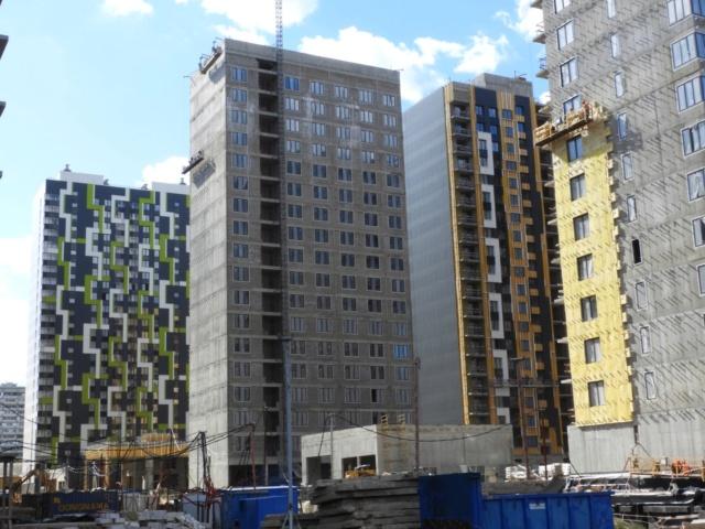 """На ЖК """"Летний сад"""" - начался монтаж фасадных конструкций корпусов второй очереди строительства 2212"""