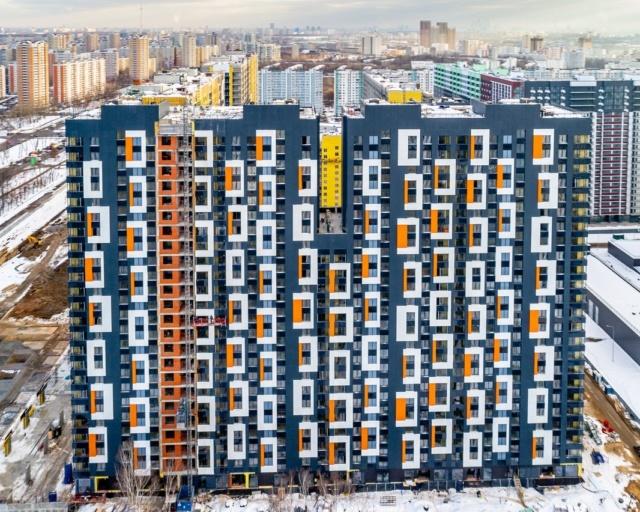 """На ЖК """"Летний сад"""" - начался монтаж фасадных конструкций корпусов второй очереди строительства - Страница 2 22213"""