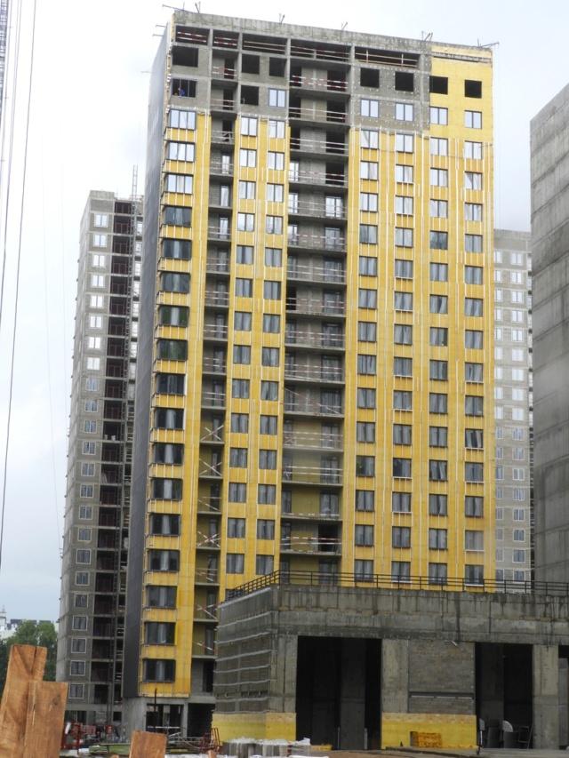 """На ЖК """"Летний сад"""" - начался монтаж фасадных конструкций корпусов второй очереди строительства 33611"""