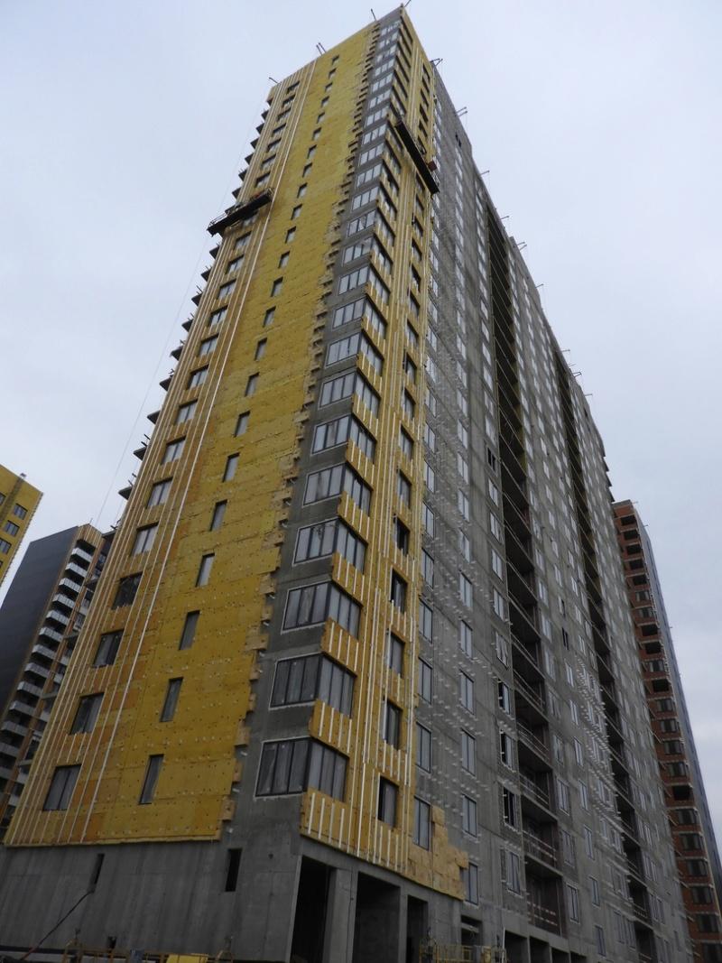 """На ЖК """"Летний сад"""" - начался монтаж фасадных конструкций корпусов второй очереди строительства 55555510"""